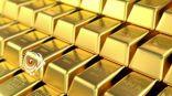 الذهب مستقر مع ارتفاع الدولار في ظل مخاوف بشأن الفيروس
