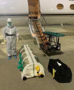 إدارة الإخلاء الطبي الجوي بوزارة الدفاع ينقل عائلة سعودية مصابة بفيروس كورونا من الهند إلى المملكة