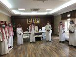 بالصور رئيس وأعضاء جمعية البر الخيرية بالشقيق في زيارة لفرع وزارة الموارد البشرية والتنمية الإجتماعية بجازان
