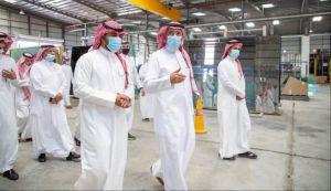 وزير الصناعة والثروة المعدنية يتفقد المدينة الصناعية في حائل ويُدشّن أول مصنع لإنتاج الزجاج في المنطقة